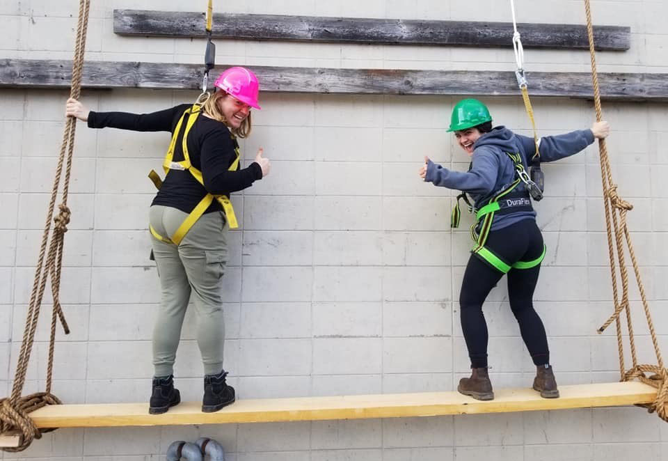 Students take part in rigging fall and arrest training