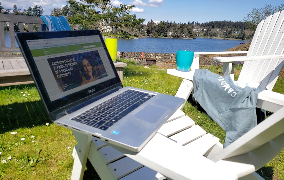 Laptop by the Gorge waterway